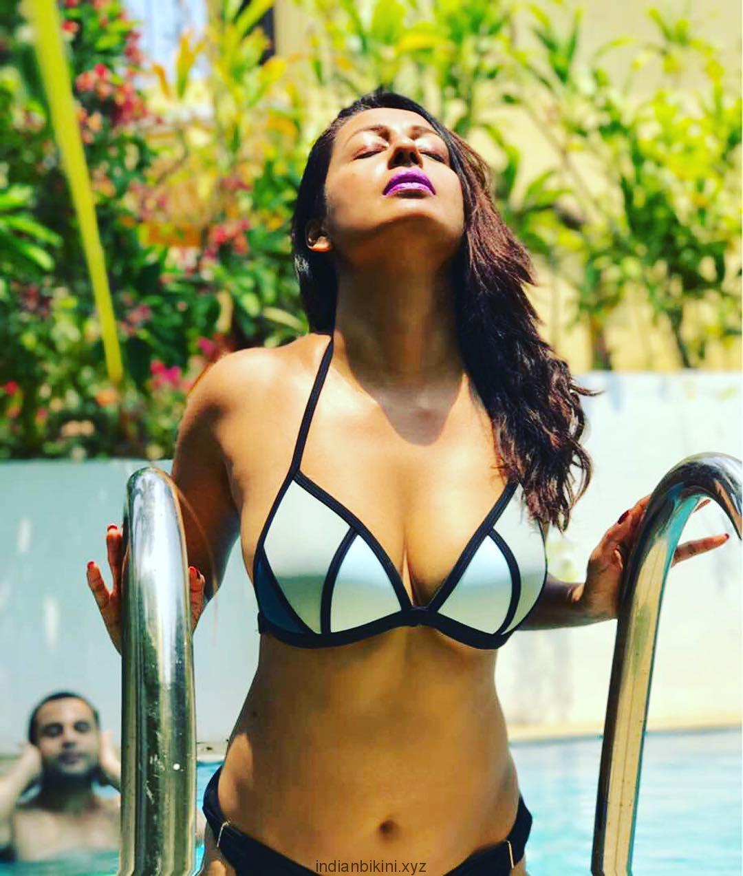 Kashmera Shah's bikini holiday