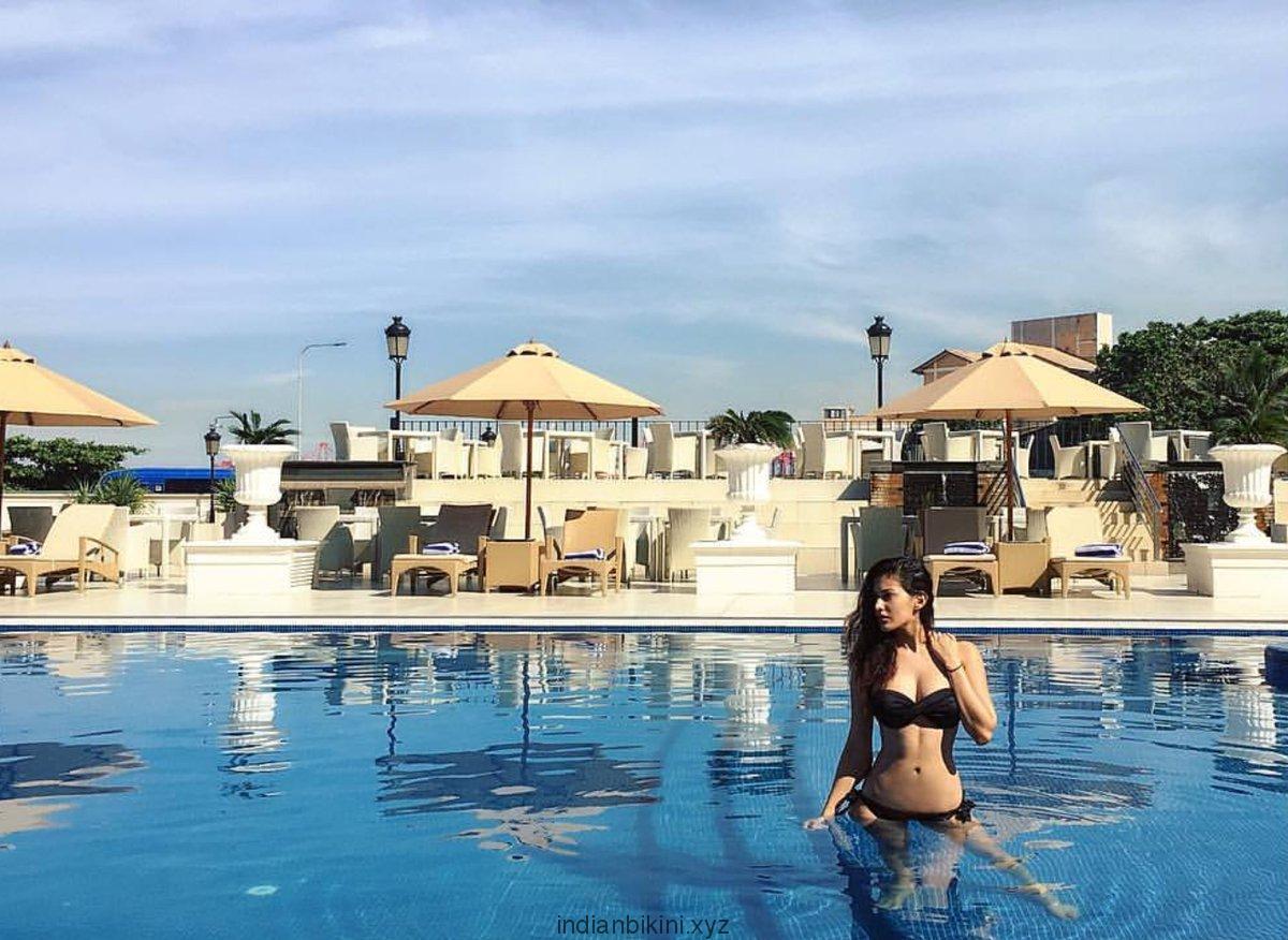 Amyra Dastur's sexy beach holidays